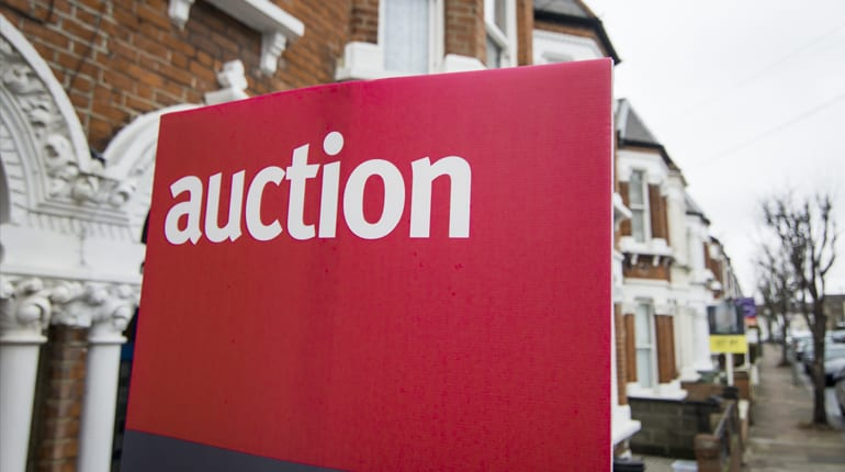 Using a bridging lone at a property auction